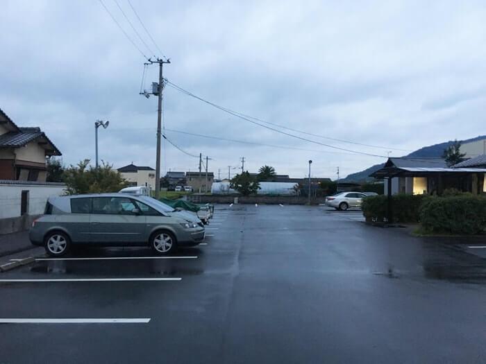 黒田屋・高松西インター店駐車場