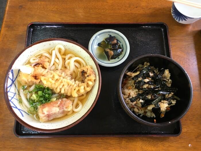 三嶋・かやく定食